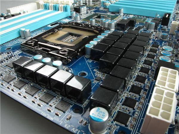 Gigabyte GA-X58A-UD9 - новый флагман системных плат на чипсете Intel X58