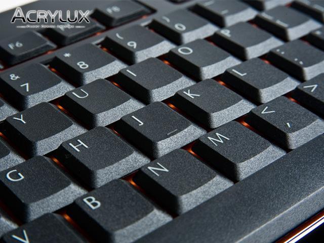 Enermax представляет новую серию высокопрочных клавиатур Acrylux