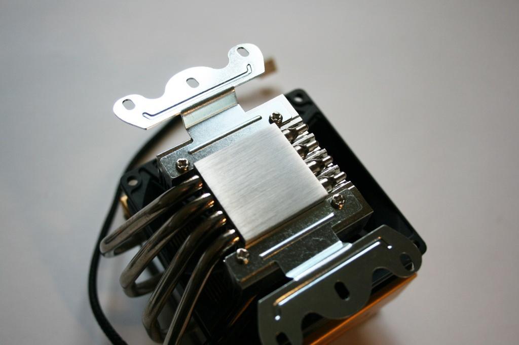 Обзор кулера GlacialTech Igloo 5751 — шаг навстречу совместимости
