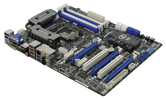 Компания ASRock демонстрирует новую материнскую плату на чипсете Intel Z68 Express - ASRock Z68 Extreme 4