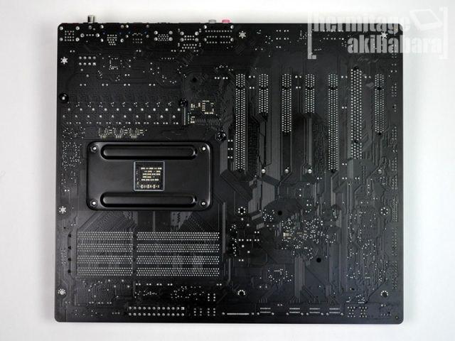 Фотографии топовой материнской платы Gigabyte GA-990FXA-UD7 Socket AM3+ для  процессоров AMD Bulldozer