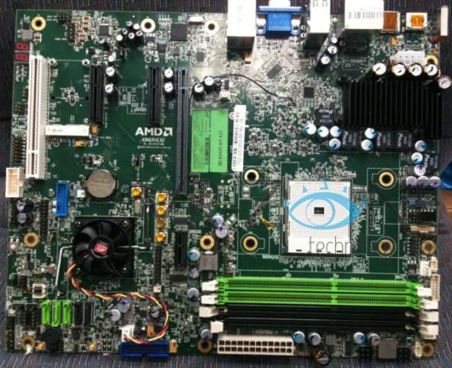 Первые фотографии материнских плат на Socket FM1 под новые процессоры AMD Llano