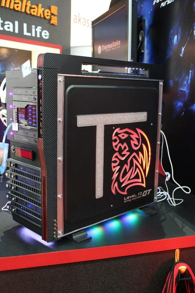 Computex 2011 - Thermaltake демонстрирует мод корпуса Level 10 GT