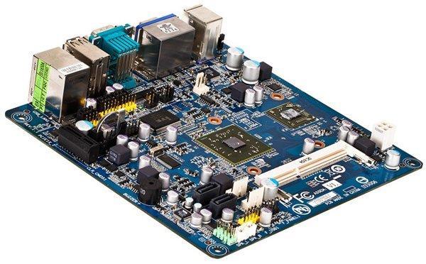 Материнская плата GIGABYTE M7V90PI с процессором VIA Nano U3300