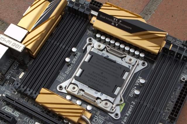 ASUS X79-Deluxe