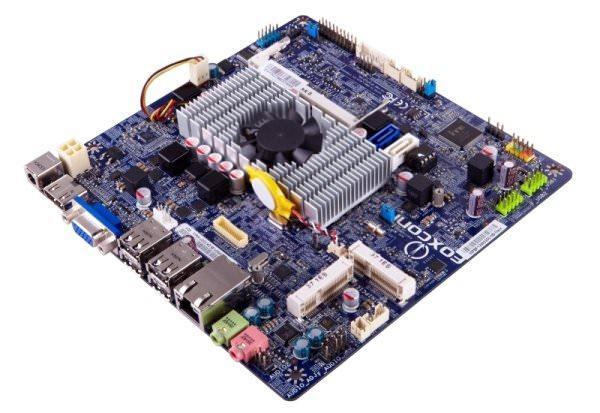 Компактные материнские платы Foxconn на чипсете Intel NM70 со встроенными процессорами Intel Celeron