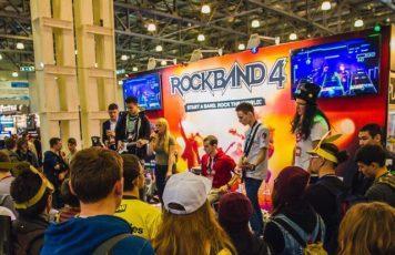 Долгожданная музыкальная игра Rock Band 4 поступила в продажу в России