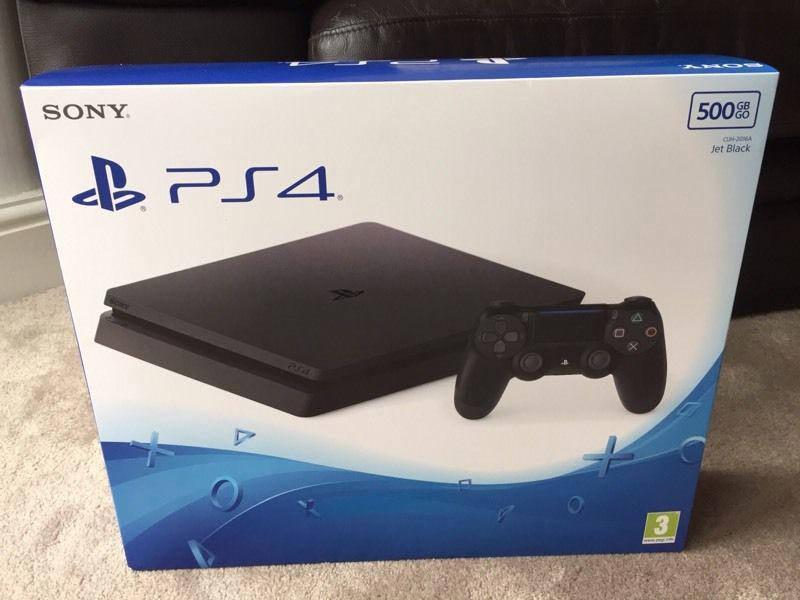 Sony PlayStation 4 Slim 02