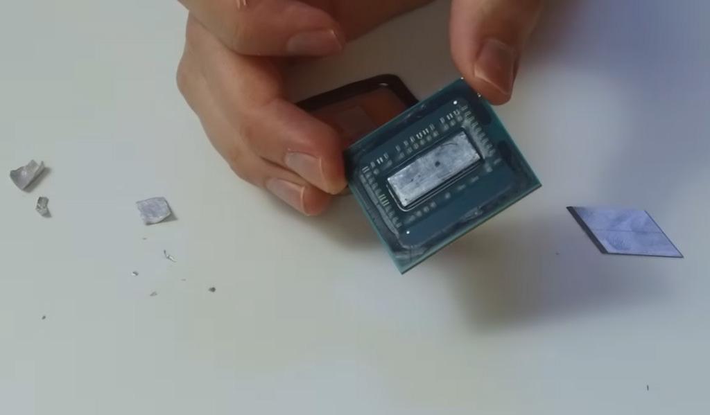 Разрушитель легенд: Der8auer на примере процессора Ryzen показал, имеет ли смысл прямой контакт кристалла CPU и крышки
