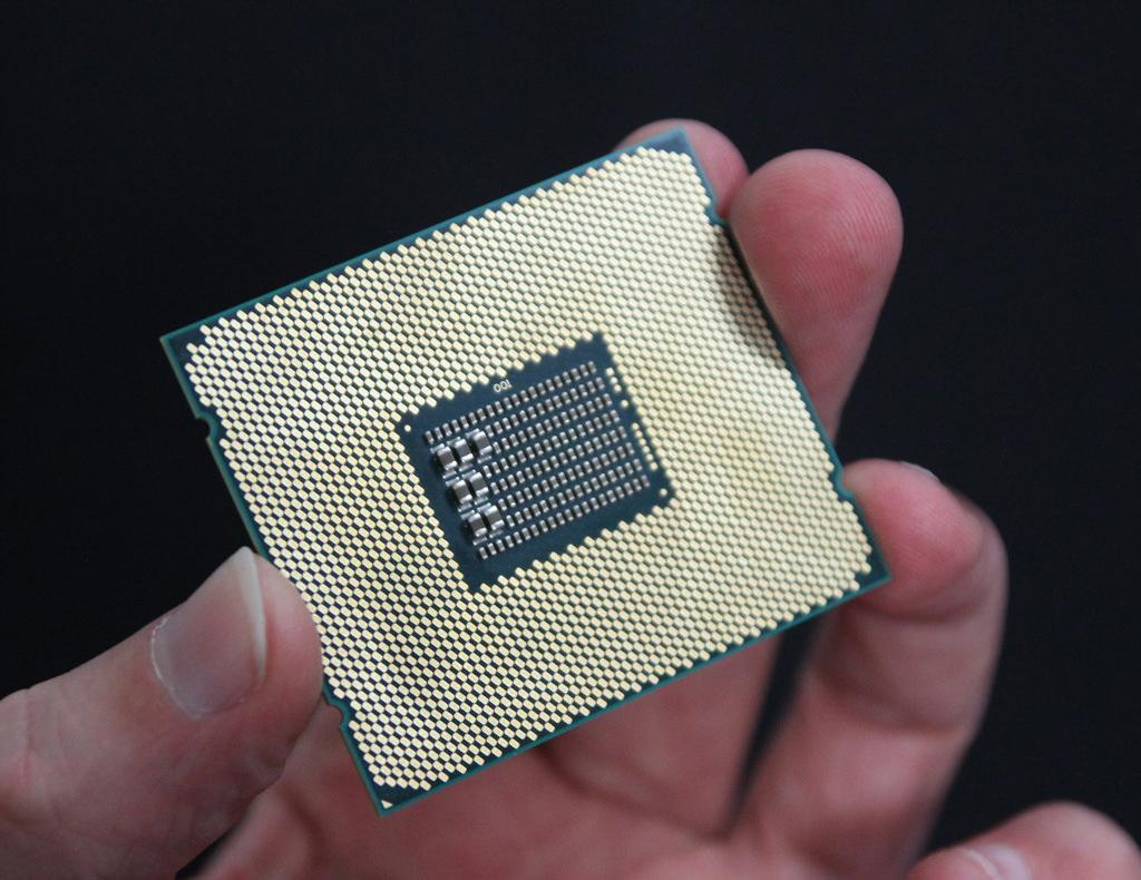 Intel Xeon Gold Platinum 1