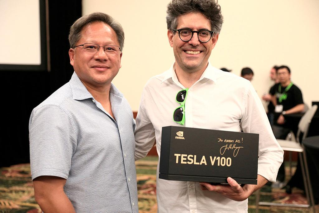 NVIDIA Tesla v100 2