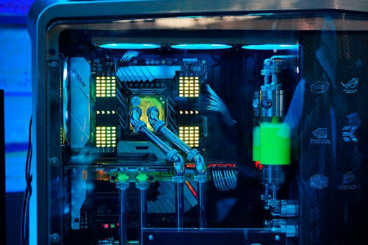 Intel Core i9 7980XE 3