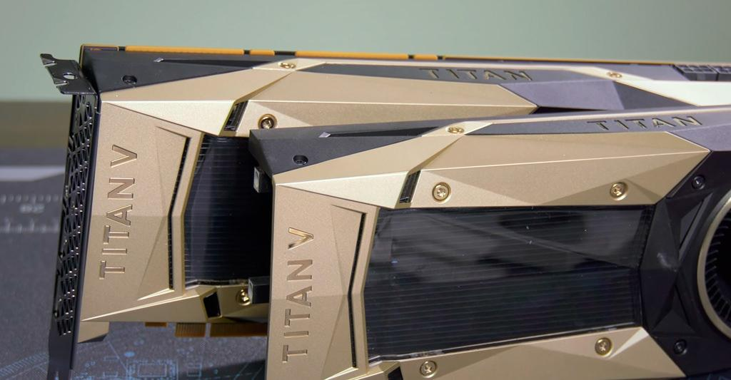 Пара видеокарт NVIDIA Titan V протестированы в SLI