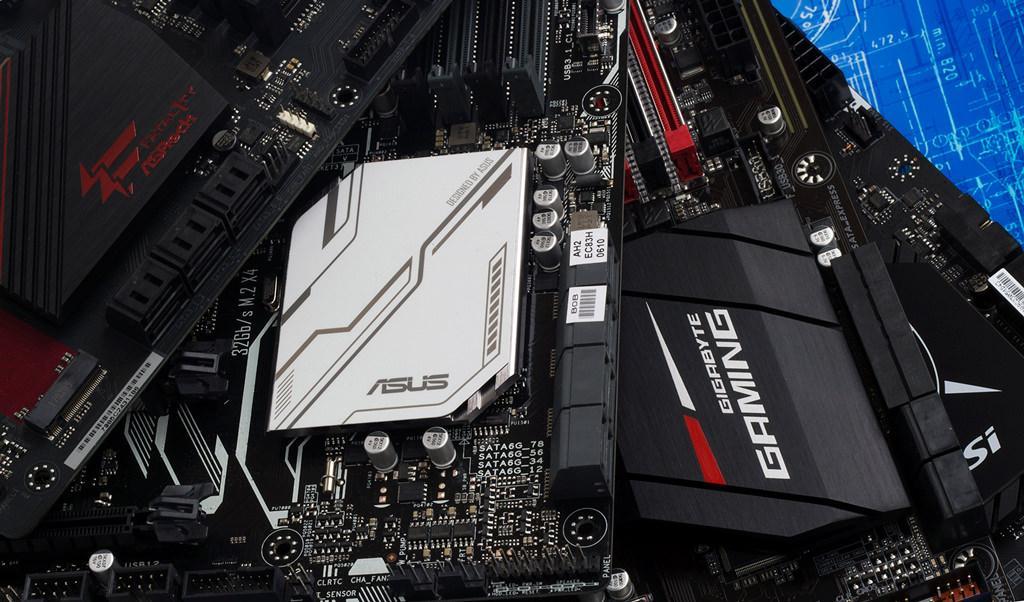 Замечено упоминание материнских плат с чипсетами AMD 400-ой серии
