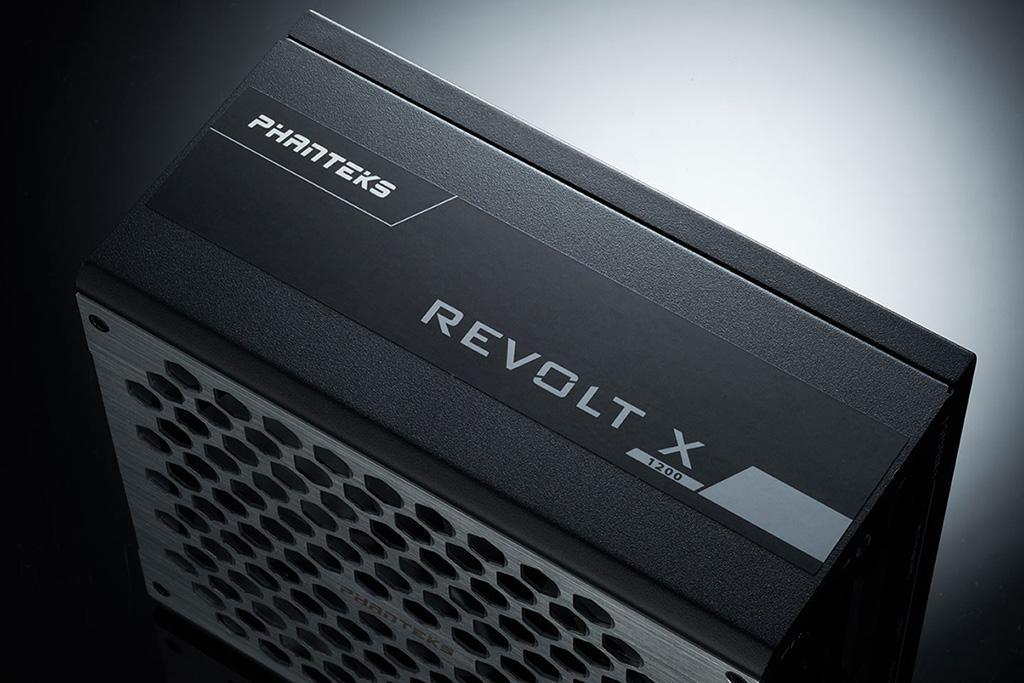 Phanteks Revolt X – блоки питания с возможностью запитать две системы разом