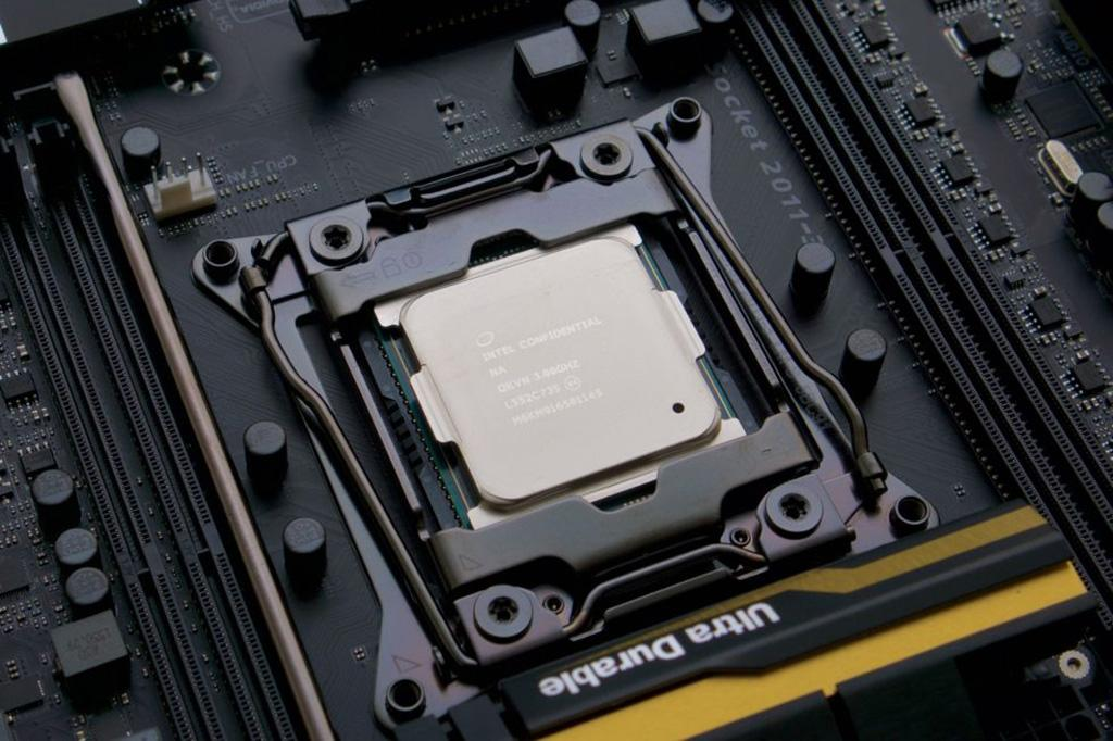 Обновление Windows 10 KB4100347 мешает разгону процессоров Haswell-E и Broadwell-E