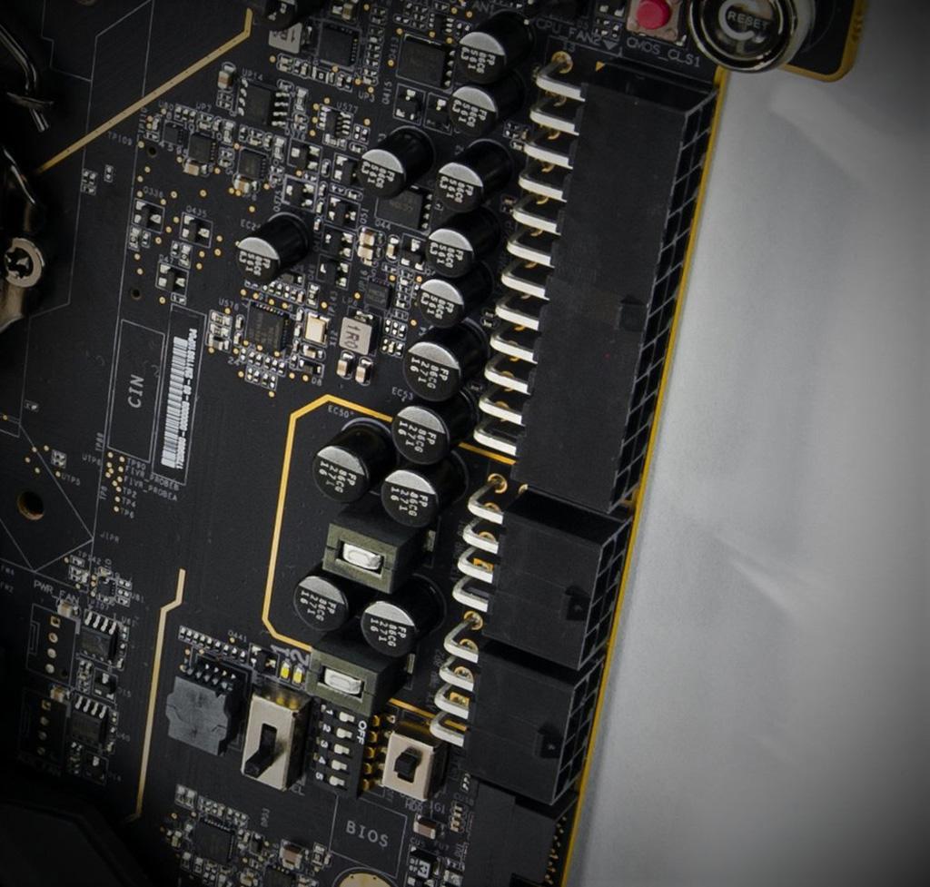 EVGA готовит некую особенную плату для профессиональных оверклокеров. EVGA Z390 Dark?