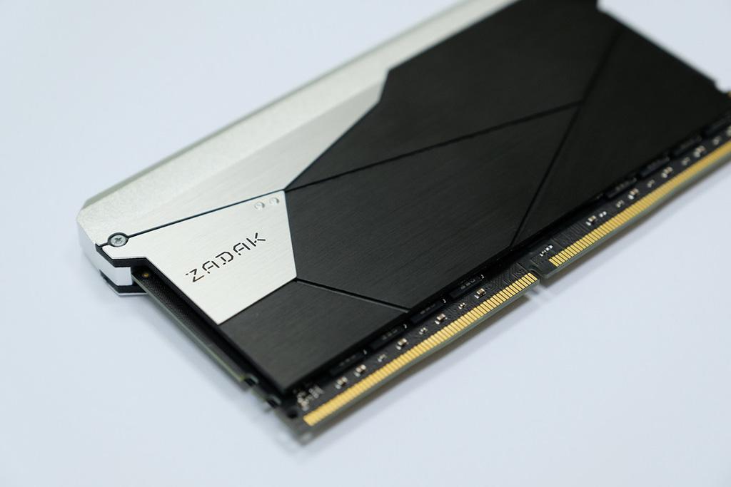 Цены на 64 ГБ (2х 32 ГБ) комплекты памяти Zadak Shield DC DDR4 стартуют с $800