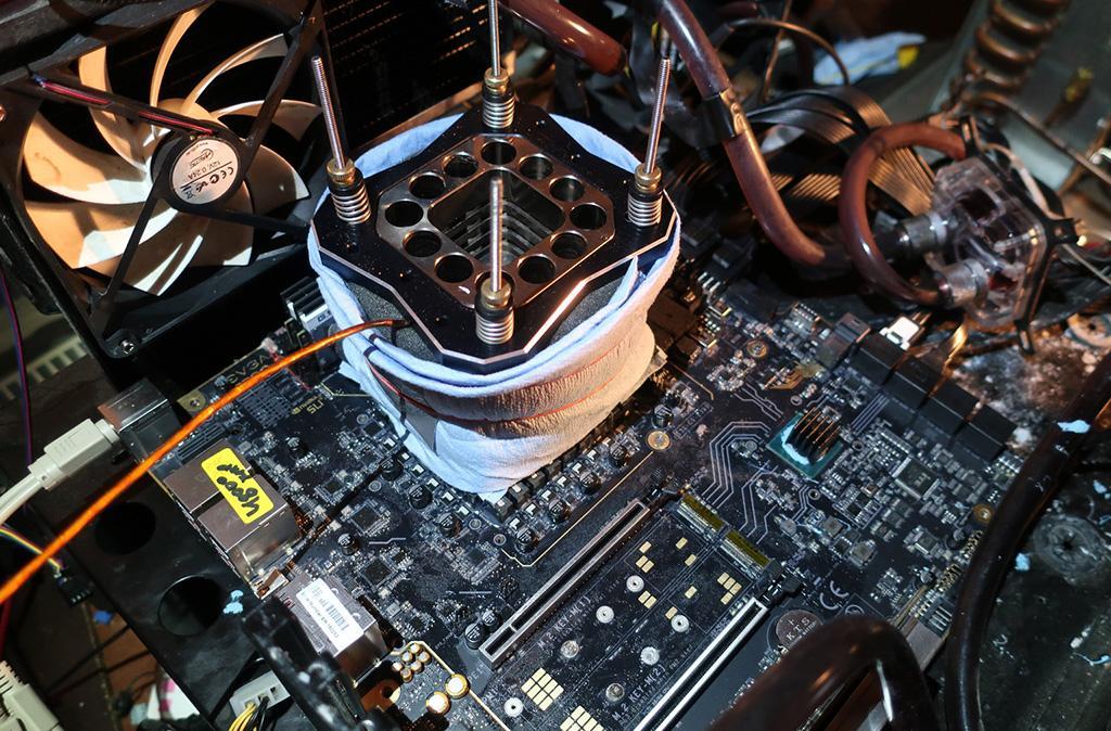 Intel Core i9-9900K при почти 7 ГГц установил рекорд в CineBench R15 среди 8-ядерников