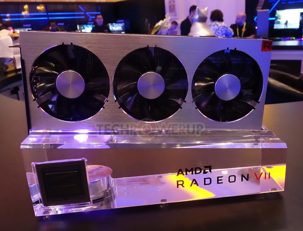 AMD представила видеокарту Radeon Vega VII: 7 нм и вдвое больше памяти