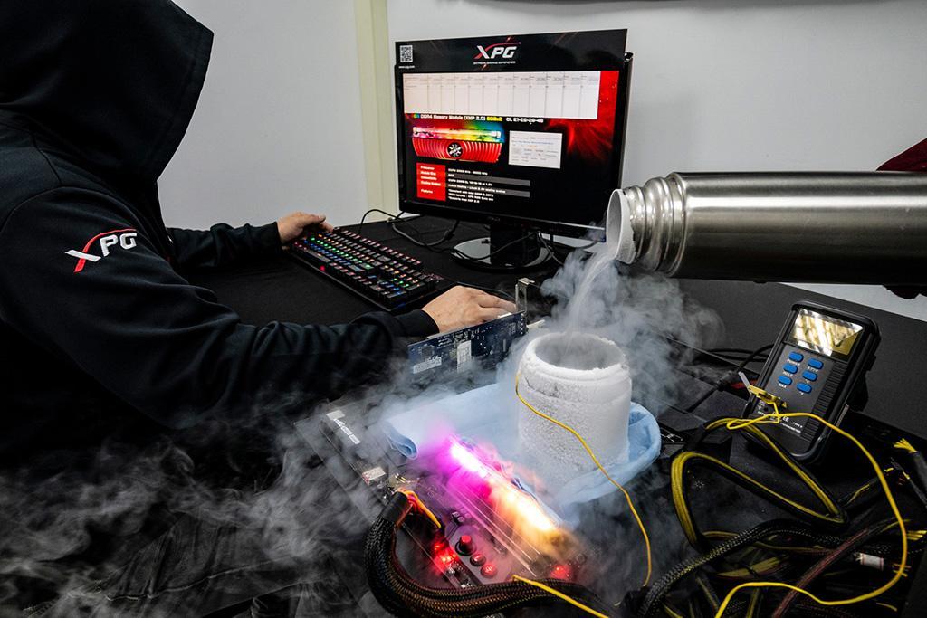 Модули памяти ADATA XPG Spectrix D80 RGB обновили мировой рекорд частоты работы ОЗУ