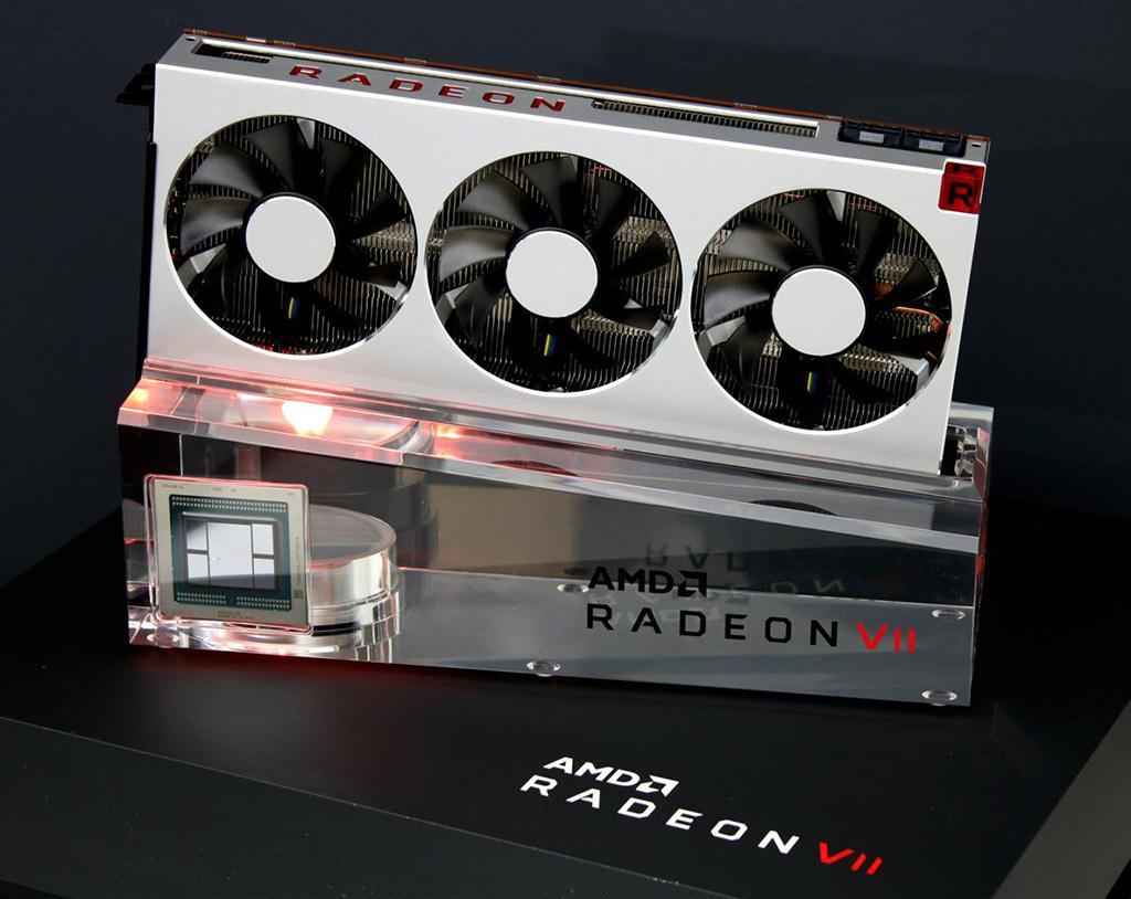 Разглядываем AMD Radeon VII неглиже. Термопрокладка с эффективностью как у жидкого металла?