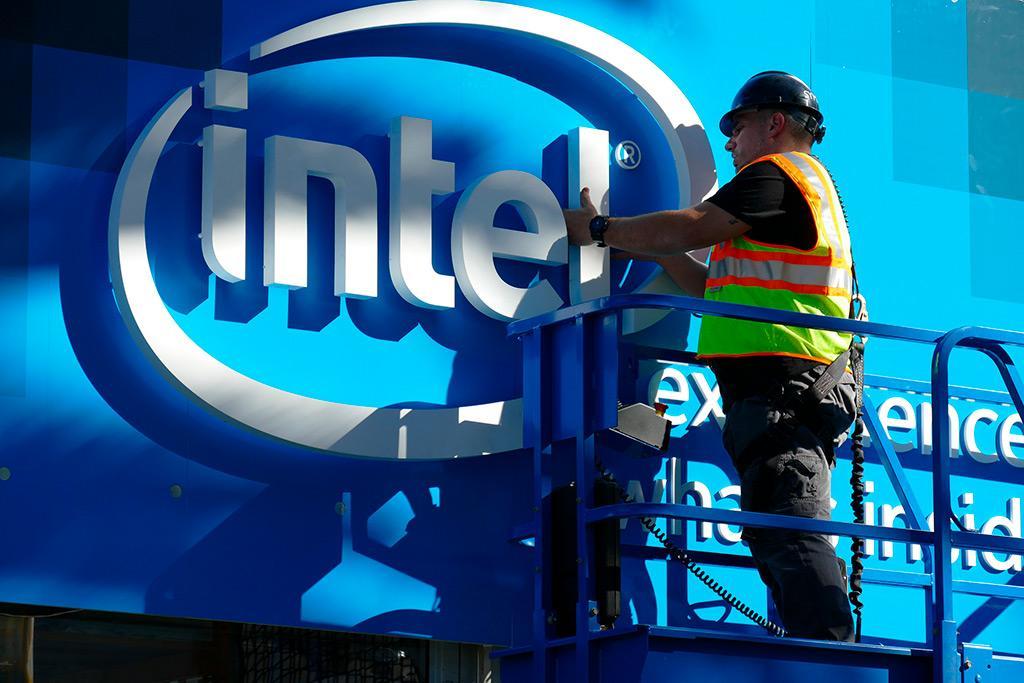Некоторые процессоры Intel будет производить Samsung