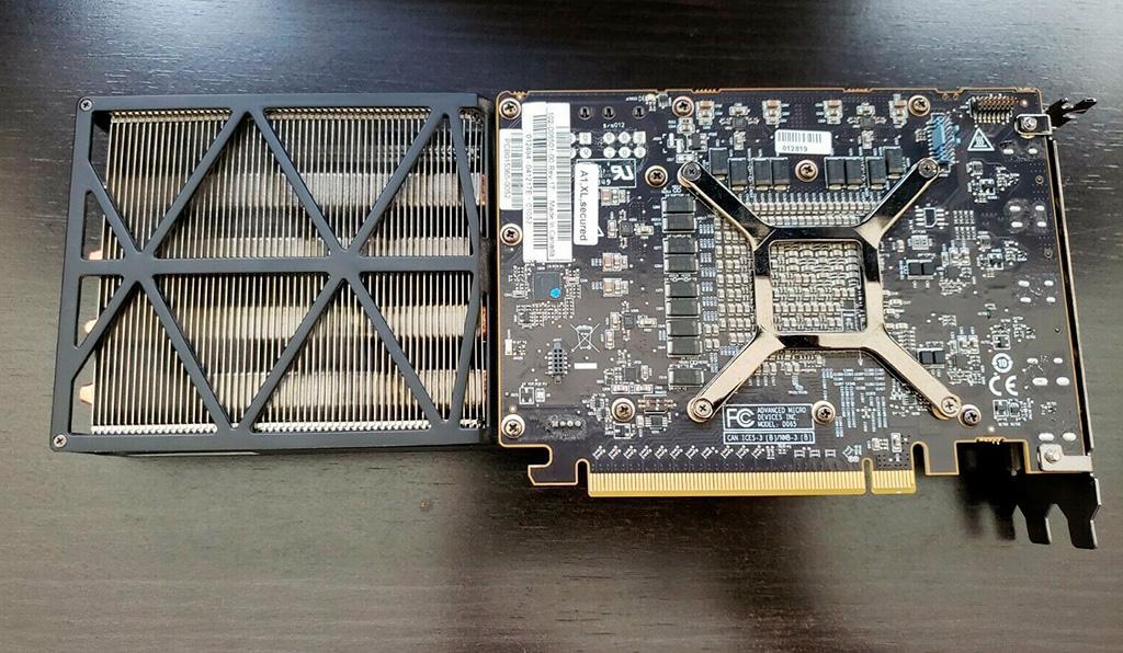 "На eBay продаётся ""ультра редкий"" экземпляр AMD Radeon RX Vega 56"