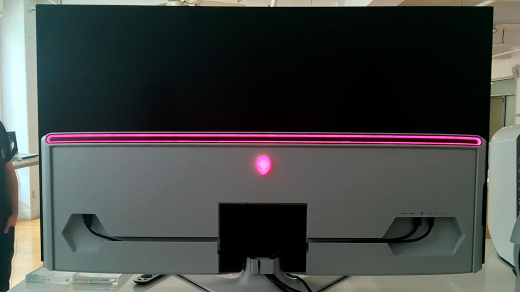 Монитор Dell Alienware AW5520QF получил 55-дюймовую скоростную OLED-матрицу