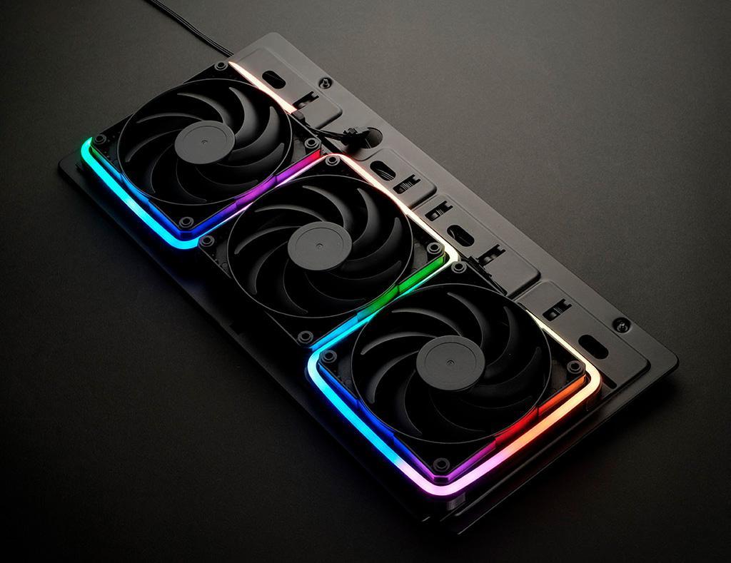 «RGB-полоски» Phanteks Neon Digital-RGB Strip помогут организовать необычную подсветку