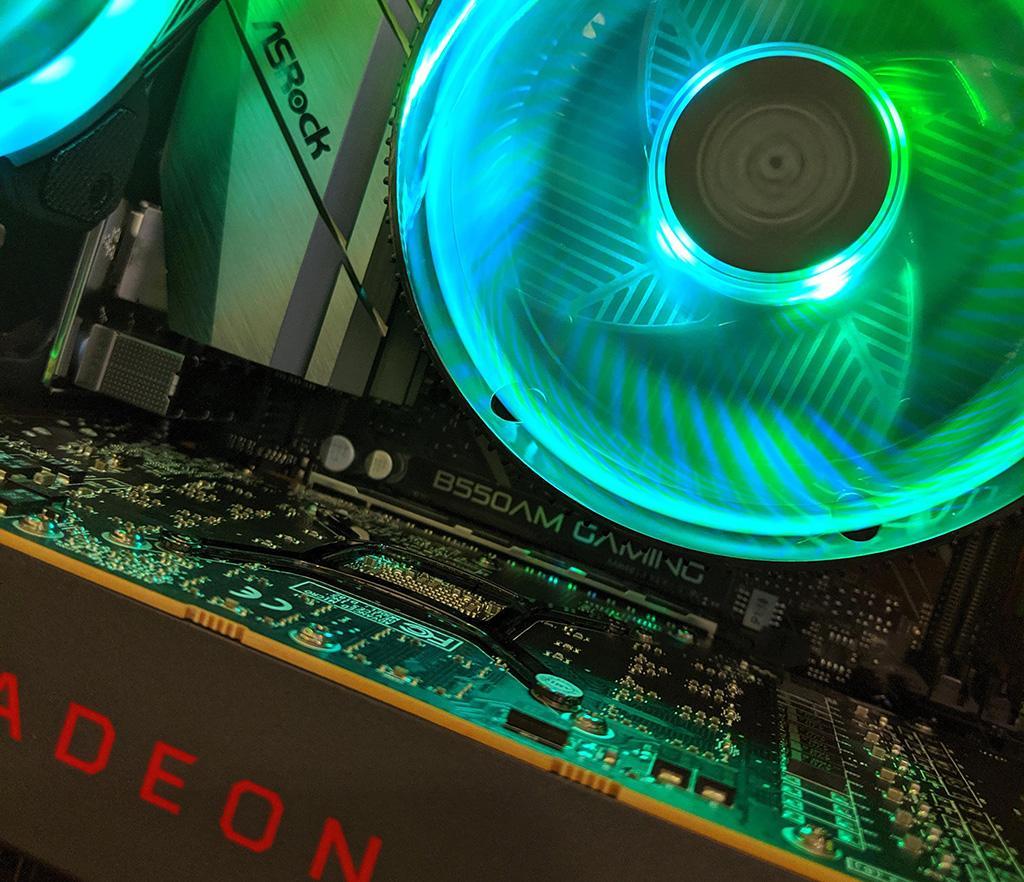 Чипсетов AMD B550 будет два
