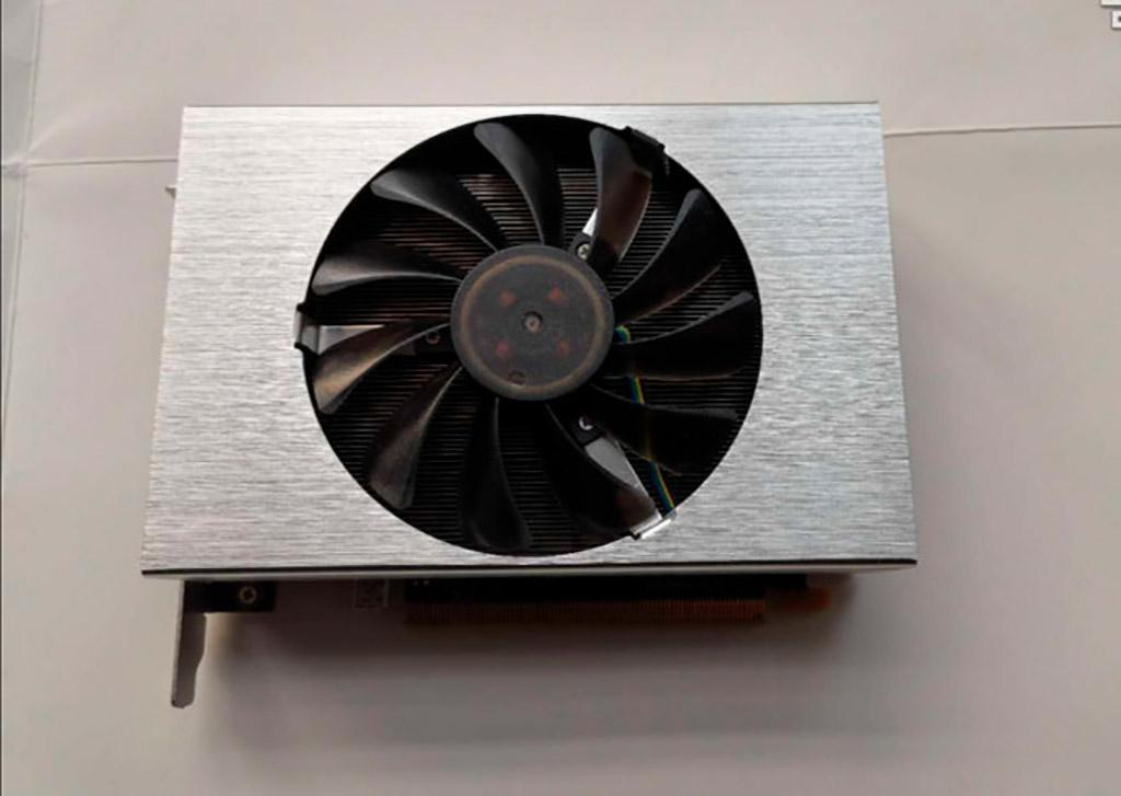 Китайский энтузиаст сделал свою Radeon RX Vega 56 Nano