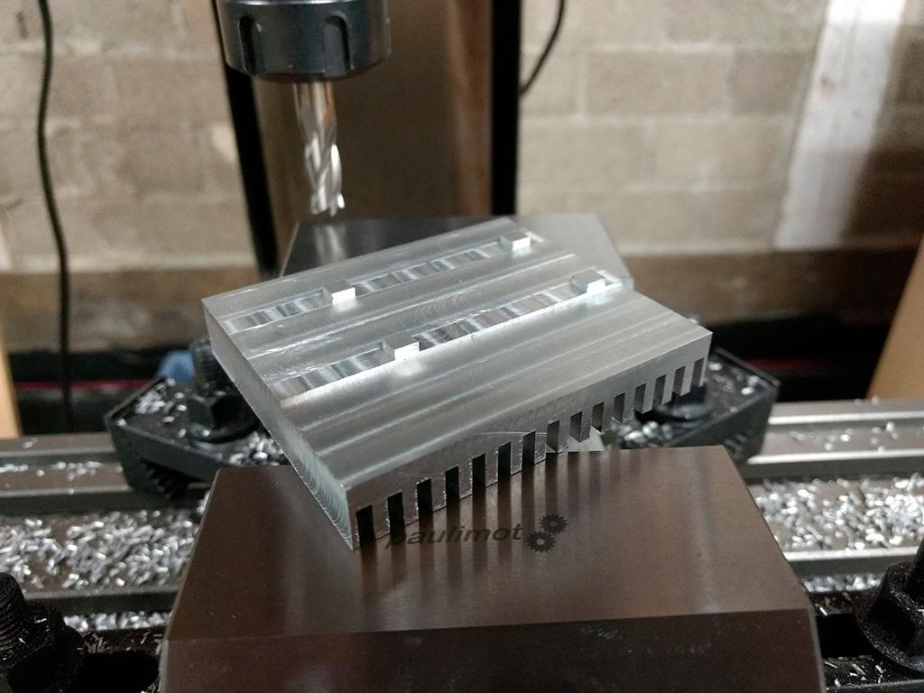 Энтузиаст угомонил горячий нрав AMD X570 пассивным радиатором