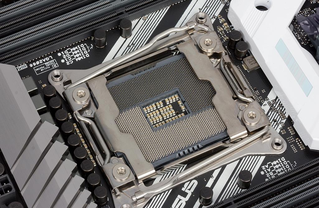 Intel Core i9-10990XE: 22 ядра, сокет LGA2066 и 380 Вт TDP