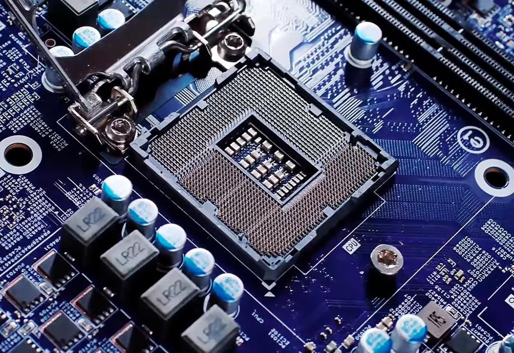 Intel Z490 ожидается к маю
