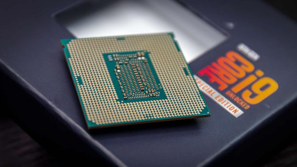 В 3DMark Fire Strike флагманский Intel Core i9-10900K подобрался опасно близко к AMD Ryzen 9 3900X