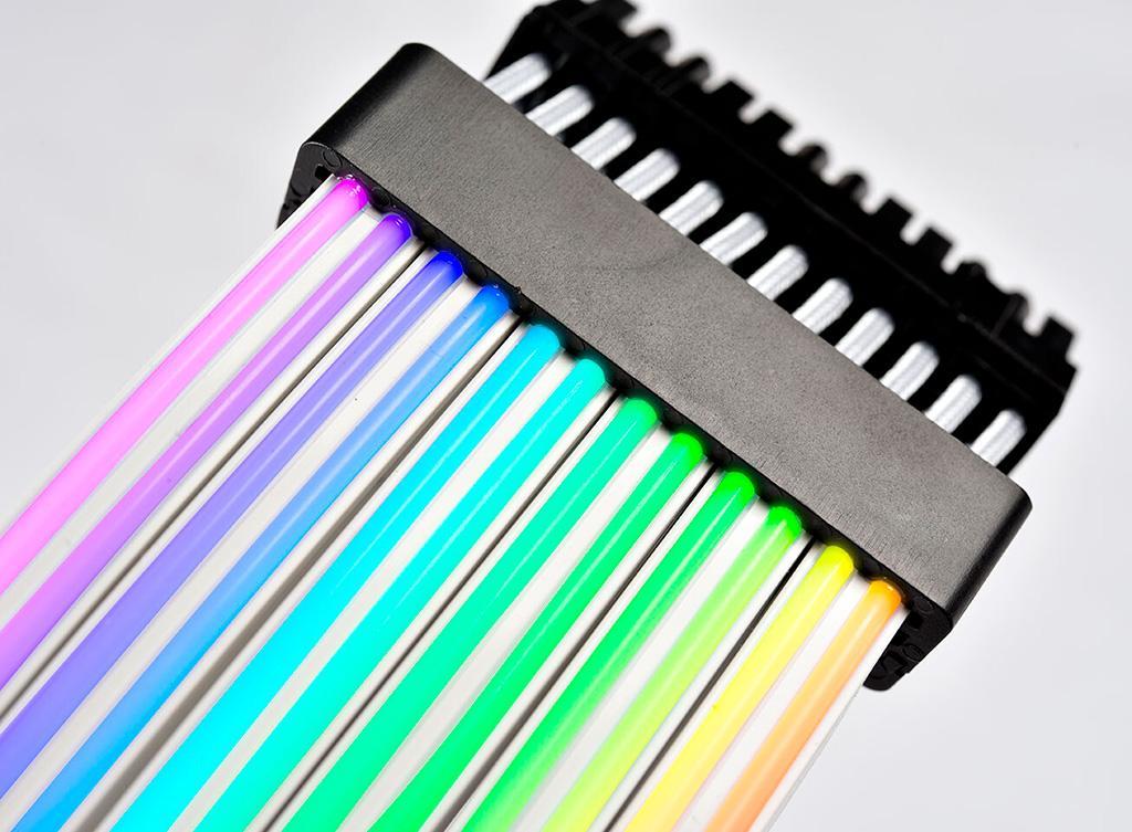 Lian Li Strimer Plus – продвинутые кабели питания с подсветкой