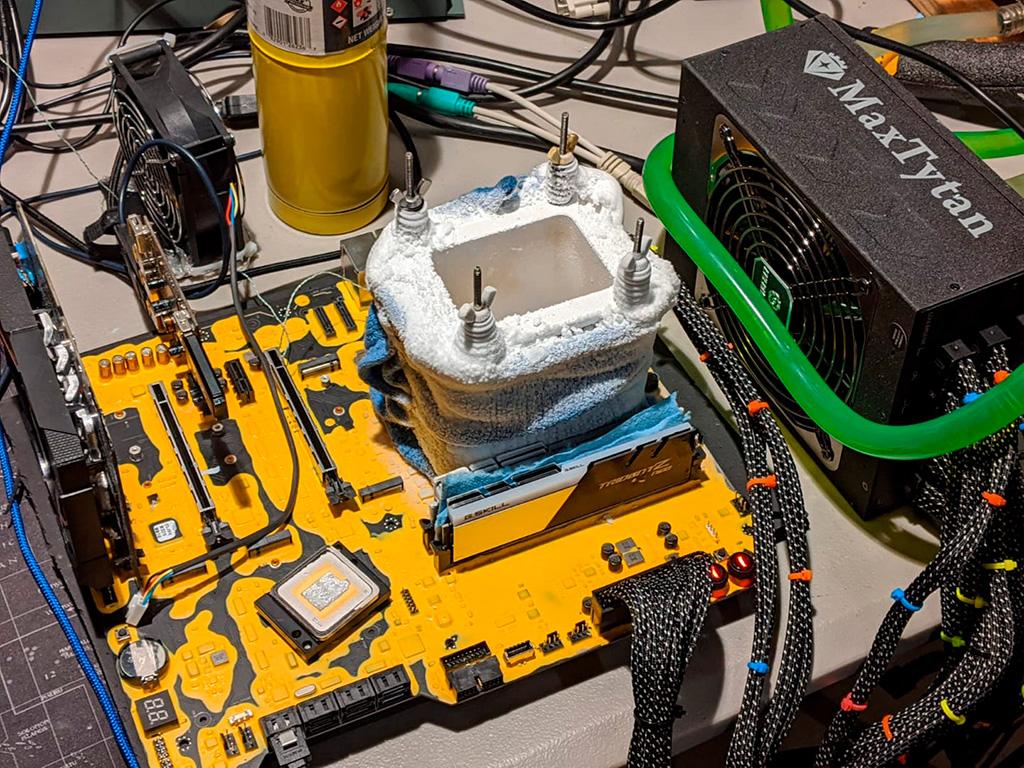ASRock Z490 Aqua с Core i9-10900KF обеспечила четыре мировых рекорда среди 10-ядерных процессоров