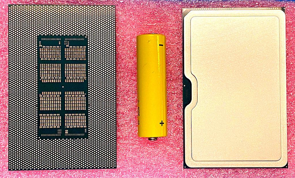 """Intel показала графический чип Xe-HPC – """"отца всех"""" GPU"""