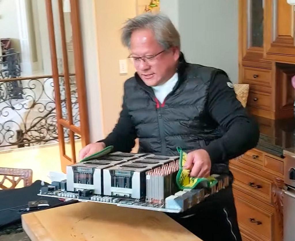 Дженсен Хуанг «приготовил» самый большой в мире графический адаптер
