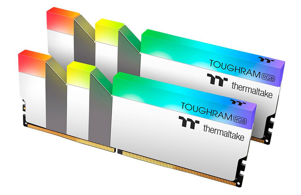 Линейка ОЗУ Thermaltake Toughram RGB DDR4 пополнилась комплектом с частотой 4600 МГц