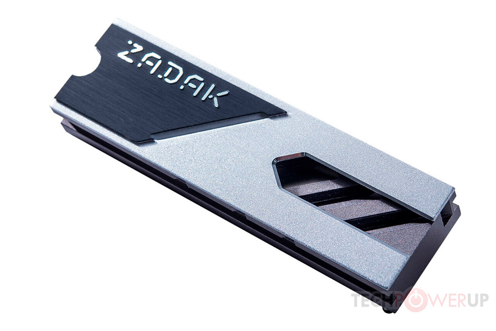 SSD-накопители Zadak M.2 Spark RGB оснащаются на 35% более эффективным радиатором