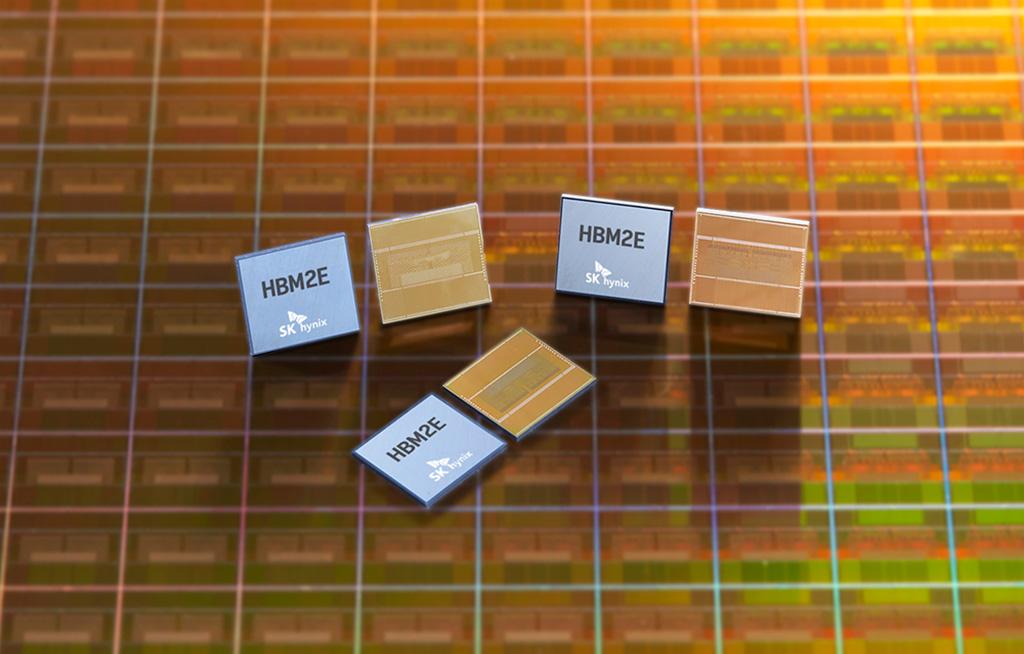 SK Hynix приступила к масштабному производству памяти HBM2e