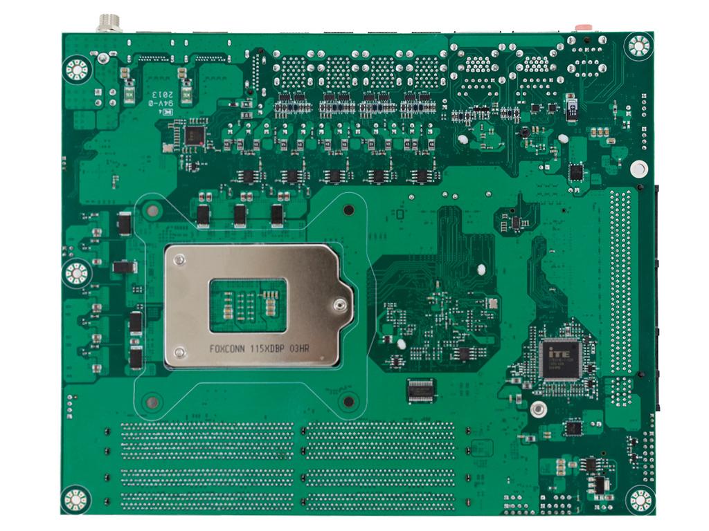 Portwell PEB-9783G2AR с сокетом LGA1200 оснащена 20 портами USB