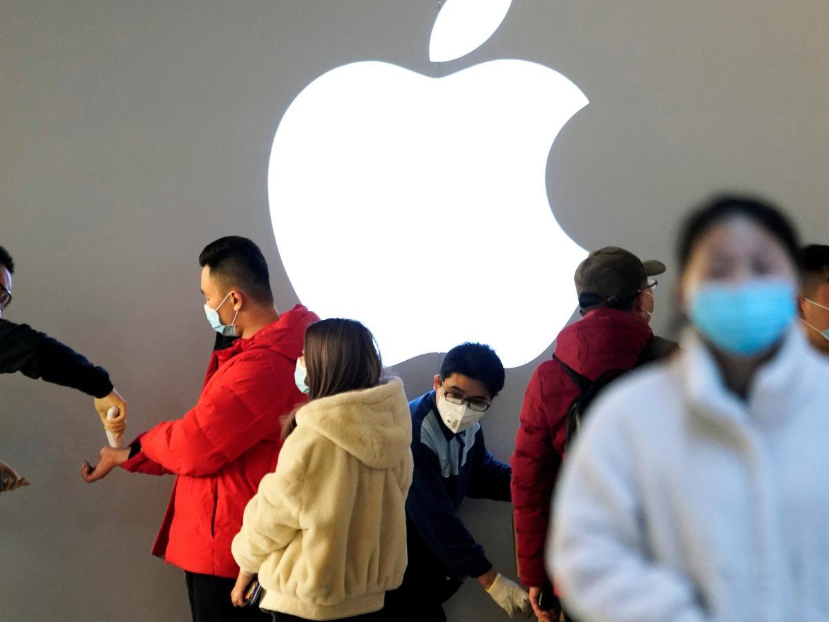 Защищая других - защищаешь себя: Apple выпустила новые маски для лица