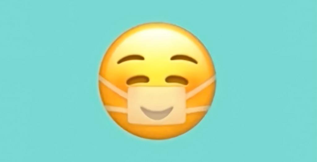 Новый эмодзи от Apple: никакая маска не скроет твою улыбку