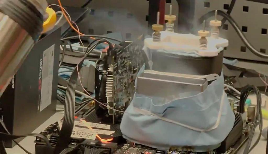 Core i9-11900K под азотом разогнан до 6,9 ГГц