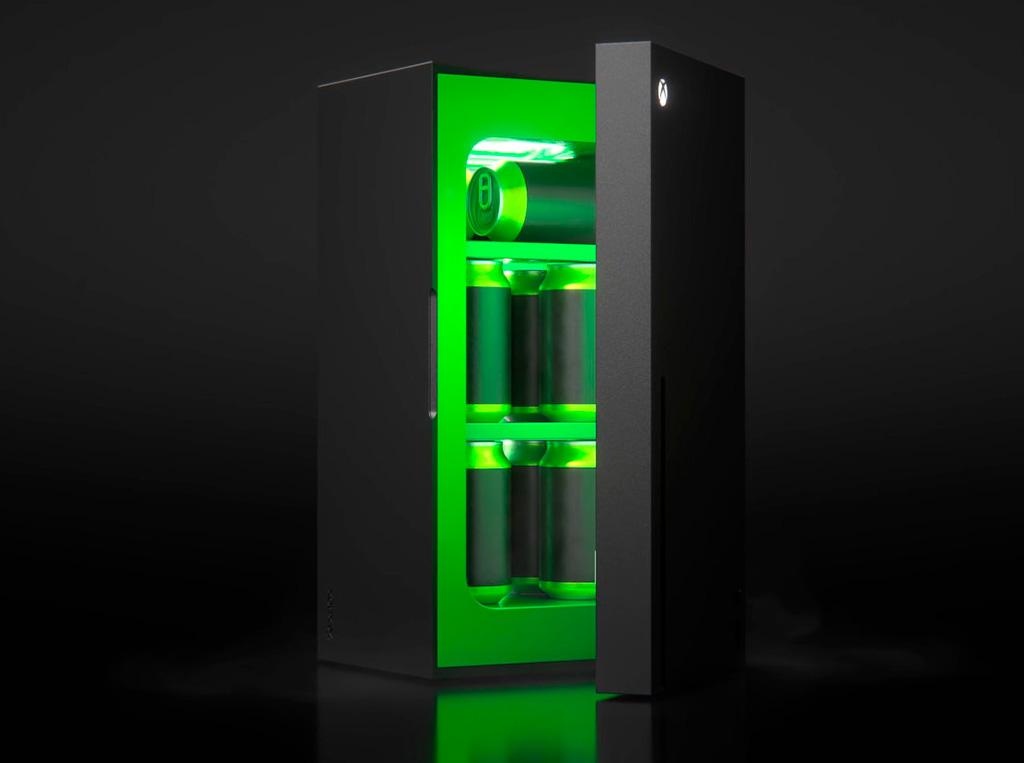 Microsoft представила Xbox Mini Fridge – «геймерский» холодильник